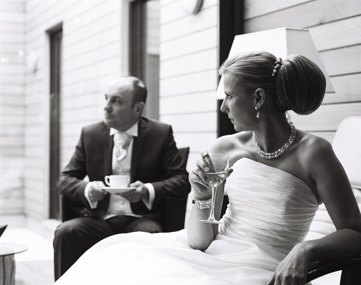 Photo des mariés en noir