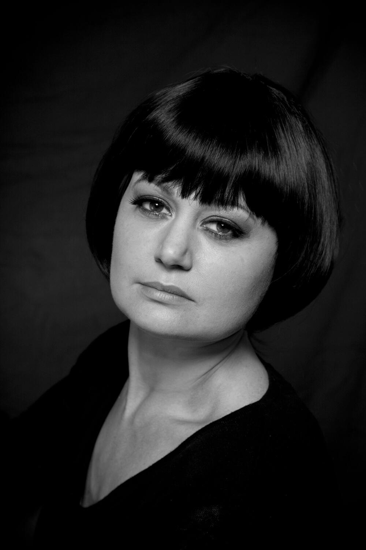 portrait féminin posé old school noir et blanc